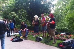 Musikanten beim Straßenmusikfestival