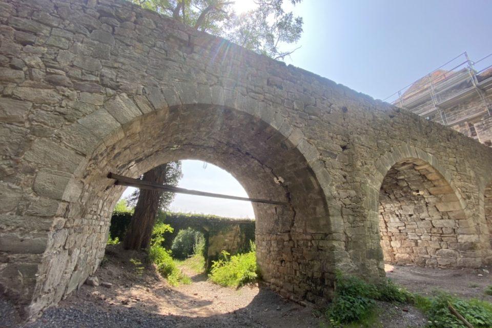 Zugangsbrücke zur Burg