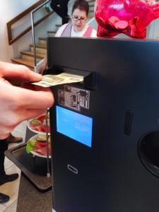 Bezahlautomat an der Kasse