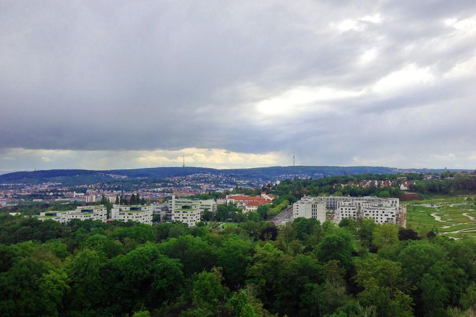 Blick auf Stuttgarter Fernsehturm und Fernmeldeturm