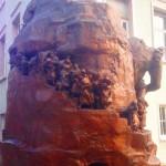Rückseite des Weibertreu-Denkmals